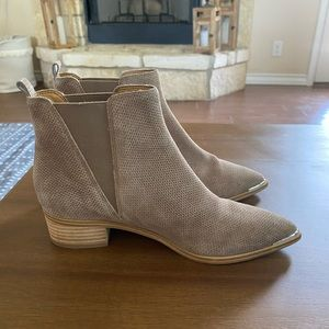 Marc Fisher Yale Chelsea Boot - Cloud Suede